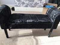 Black end of bed seat