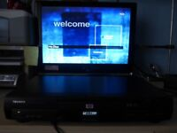 DVD CD player Toshiba SD210E with remote control. excellent condition