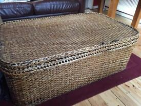Large wicker storage basket/coffee table (toy chest)