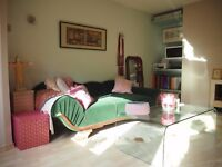 French Boutique Garden Flat in Lexden - perfectly shaped, well organised, cute & welcoming.