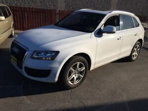 2012 Audi Q5 2.0L Premium, Leather, Panoramic Sunroof, AWD
