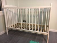 Baby cot bed 120*60 in perfect condition + matching mattress