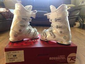 Rossingnol Kiara 50 Ladies Ski Boots Size 25.5 mon (size 5.5-6)
