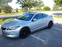 2009 HONDA ACCORD COUPE 2.4  manual.  LOW KM! !!!!!