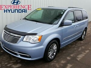 2013 Chrysler Town & Country Touring-L GREAT PASSENGER VAN WITH