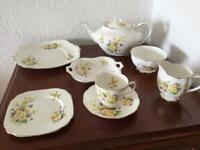 Vintage Royal Albert tea set - primroses and violets