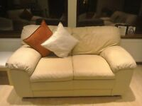 Italian Leather 321 Suite Cream Hardly used Excellent condition Pet and smoke free home £350 ono