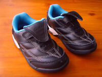 Clarks boys infant size 5f black leather trainers with velcro fastening