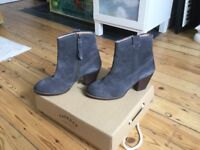 Ankle Boots grey/charcoal suede. Very trendy! Size 5