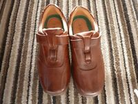 MENS BROWN SHOES (SIZE 7 WIDE FITTING)
