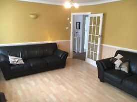 A lovely 2 double bedroom flat - Including counsel Tax