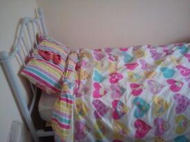 Children's bed in excellent condition