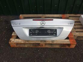 Mercedes E Class W211 Boot Lid A875