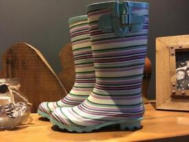 Girls welly boots size 2uk