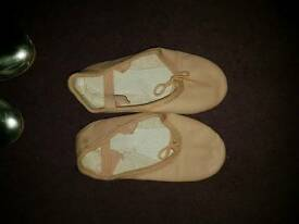Girls size 12 Pink/nude ballet shoes