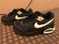 Boys Black Nike air max size 10