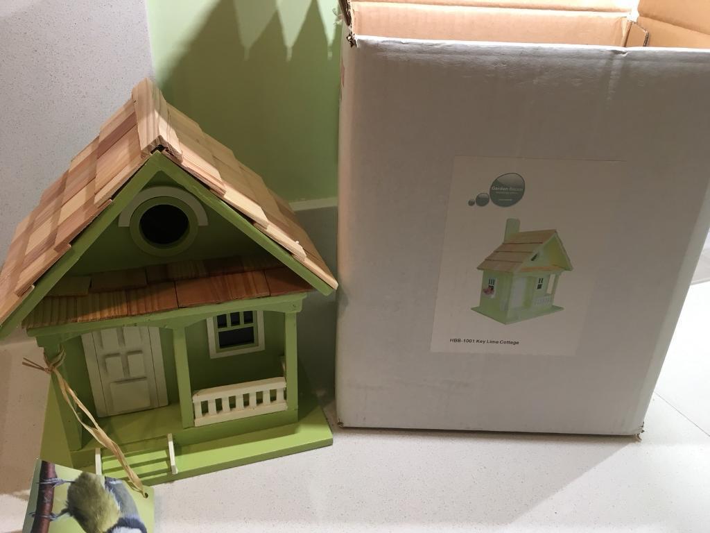 Birds box new with box