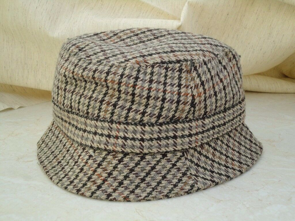 BARBOUR MENS HAT TWEED BROWN/GREY Size medium Good Condition £5