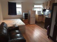 Studio Flat in Collierswood