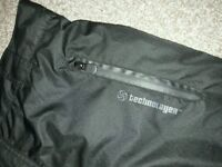 Unisex black waterproof ski pants. Ideal for dog walking. Small