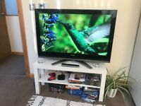 Toshiba 37 in LCD flat screen colour TV with free view