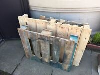 3 wooden palettes free for immediate pick up