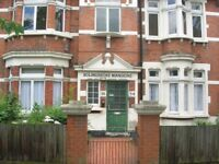 3 bedroom Flat to Let in Battersea SW11