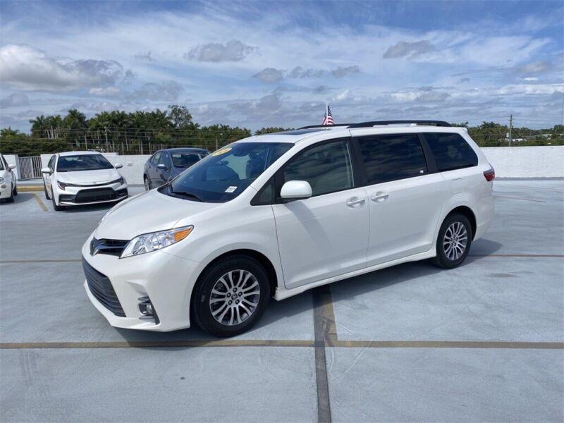 Image 1 Voiture Asiatique d'occasion Toyota Sienna 2020