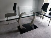Leekes Dining Table & Chairs