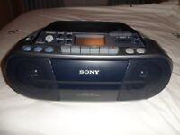 SONY CD PLAYER CASSETTE RADIO (PORTABLE)