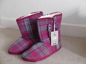Slipper Boots - Size Medium