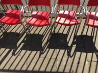 5 Outdoor Chairs - Great Condition - Metal frame / Plastic Seat
