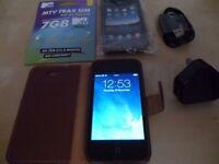 IPHONE 4 black (8GB) locked to EE+free case