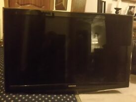 Samsung TV Spare or Repair 46 inch