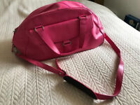 MARKS AND SPENCER PINK LEATHER OVERNIGHT/WEEKEND/HOLDALL TRAVEL BAG