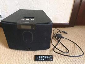Logic 3 i-Station studio speakers & FM radio. Aux / iPhone