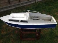 Rc model boat / rc cruiser/ model boat