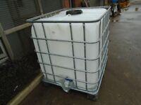 1000 litre water tank clean
