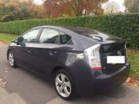 Toyota PRIUS For Hiire and rennt cheap