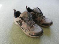"Men's Walking Shoes Size 9.5 (euro 43.5). Nearly New, Gelert Ottawa Low ""Charcoal"""