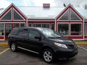 2012 Toyota Sienna CE 7 PASS!! STOW-N-GO SEATING!! DUAL CLIMATE