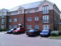 - Lovely top floor 2 Bed Flat in PERIVALE (0.2 M) Central Line Tube Station Near Greenford Sudbury