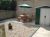 Wooden Round Garden Furniture Dining Set & Umbrella with cast iron base
