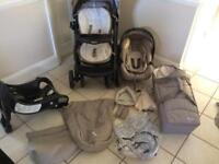 Graco Quattro tour deluxe Travel System with lots of extras