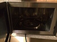 De'Longhi Steel Combination Microwave Oven and Grill