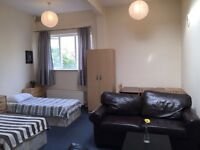 HUGE TRIPLE ROOM! SOFAS! LIVING ROOM! MUST GO TODAY!