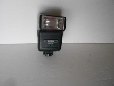 Camera Flash - Sunpak Auto 221 Electronic Camera Flash - Hot Shoe Mount VGC  FreeShip