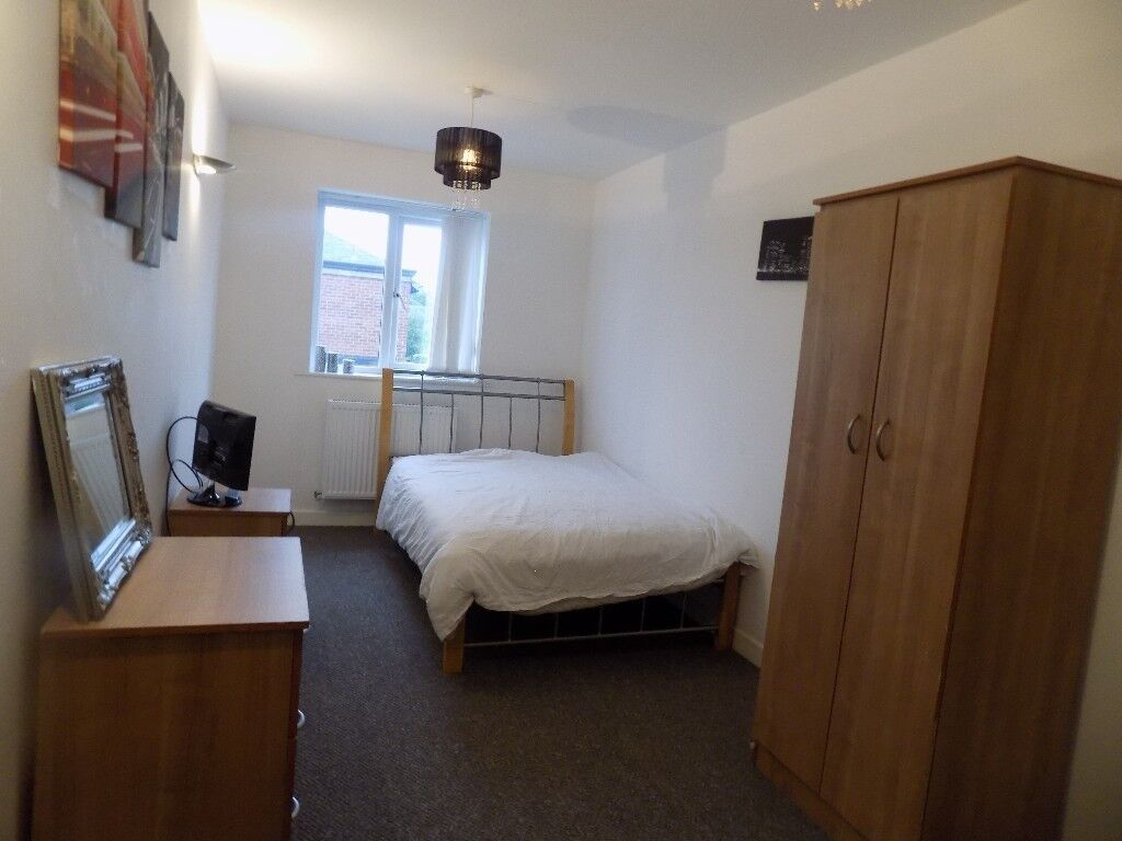 Two modern rooms available to rent in Whitefield