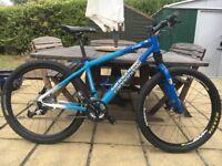 Cannondale F700 Mountain Bike