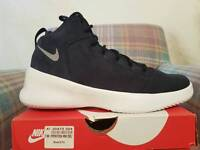 New Mens Nike trainers size 6